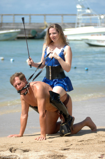 Princess Kali from Femdom United at an OUTDOOR beach play party